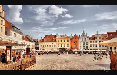 Tallinn Town Hall Square by Pajunen
