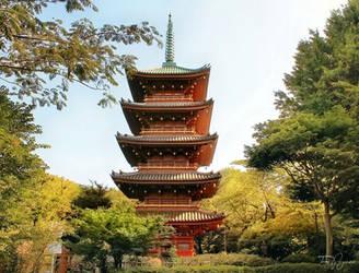 Ueno Park Pagoda by Pajunen