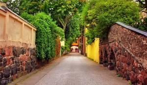 Helsinki Alleys by Pajunen