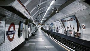 London Underground by Pajunen