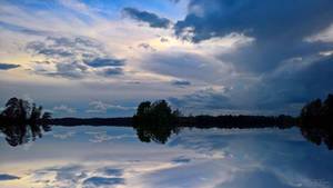 Mirror reflection waterscape by Pajunen