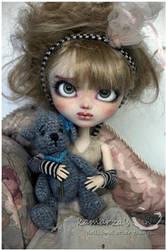 Girl With Teddy Bear by kamarza
