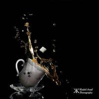 Tea Splash by Delahkor