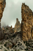 Obelisk Ridge by bongaloid