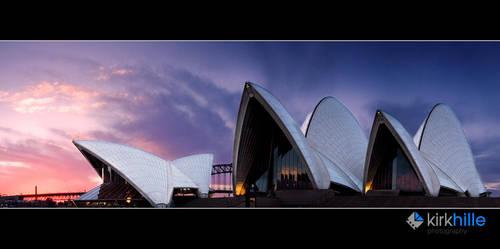 Sydney Opera House by Furiousxr