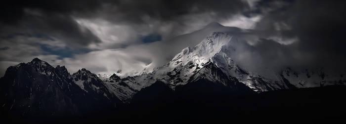 Meili Snow Mountain - Shangri-La by Furiousxr
