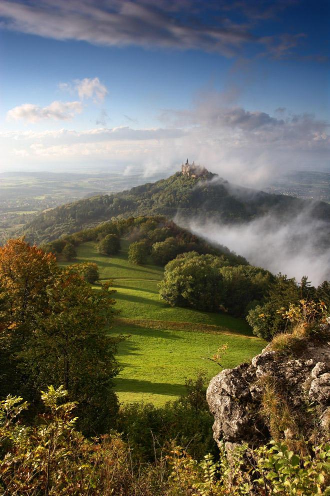 Castle in the fog by RitterRunkel