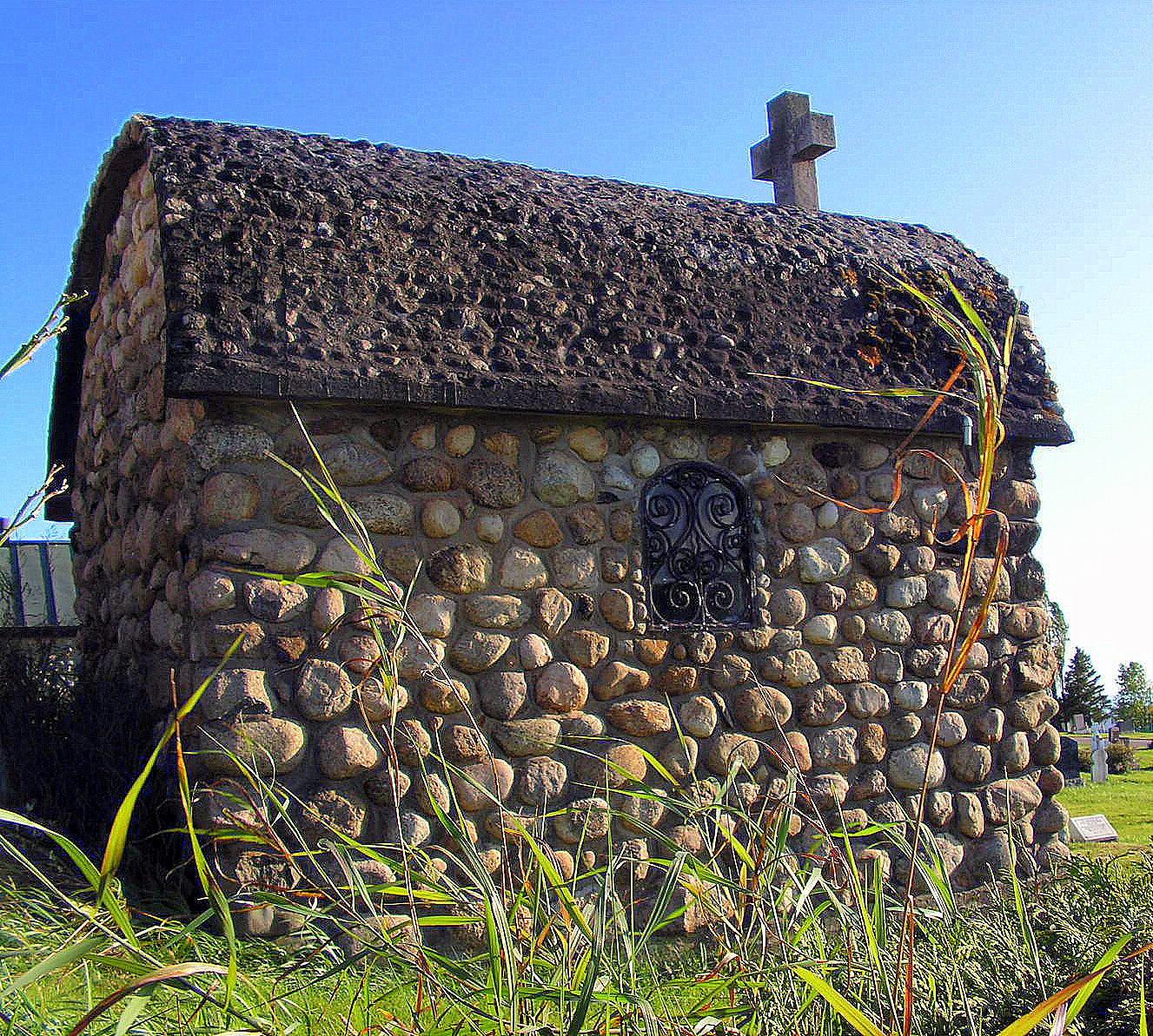 An Old Mausoleum by JocelyneR