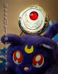 Luna's Eyes by MoonLainSerenity