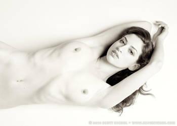 Sarah Ellis - Test Shot by silverystars