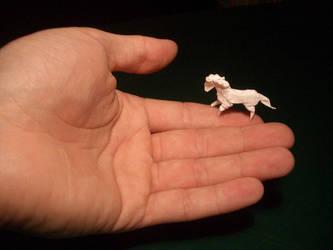 Tiny Horse - Origami by mitanei