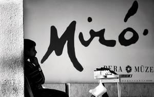 thinking Miro by oscarsnapshotter
