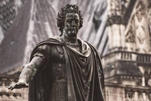 21 Janvier - Grande statue ou grande stature ? by InterludePhoto