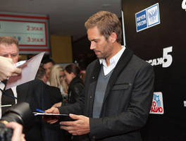 Paul Walker signing for fans by Hope72