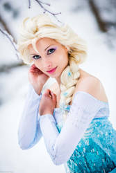 Elsa of Arendelle by CosplaySymphony