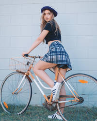Amy - Bicycle by beethy