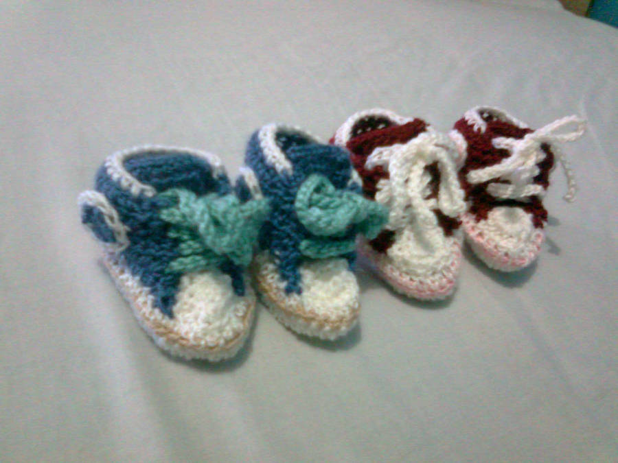 07d4d35d309 Crochet Baby Shoes All star converse by seawaterwitch on DeviantArt