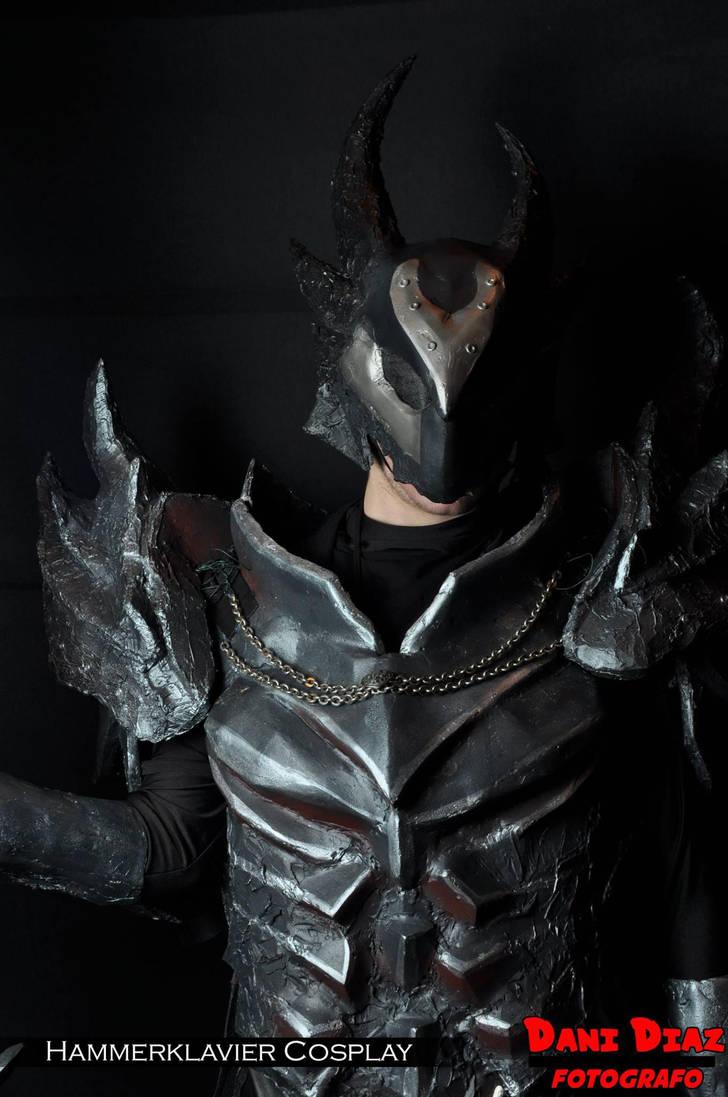skyrim daedric armor cosplayhammerklaviercosplay on deviantart