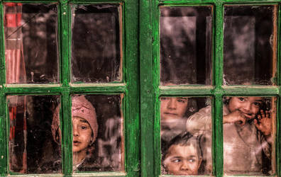 Through the Looking Glass by ioanabranisteanu