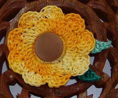 Sunflower pin by Crochet-by-Clarissa