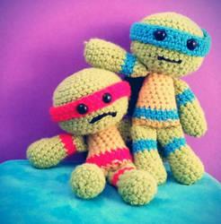 TMNT Raph and Leo Crochet dolls by ami-nomiko