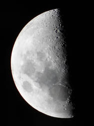 Moon by Trinamon