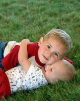 Children: Siblings by shutterblade