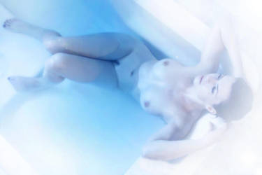 Iceberg bath by ValentineSin