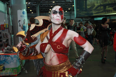 Kratos female cosplay Starcon Spb by InsainElvenMaiden