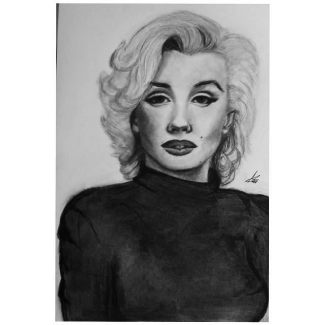 Marilyn Monroe by Annzig