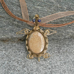 Great A'tuin Pendant by magpie-poet