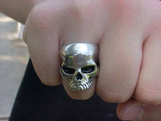 Skull Ring by myicedsoul