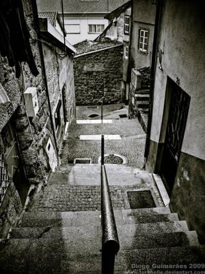 Lost In An Urban Maze by Torkhelle