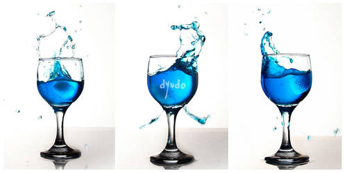 SplashingBlue : 1 by dyudo