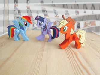 My little pony wooden articulated figurine by ShadowOfLightt