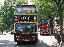 London Bus by d3lf