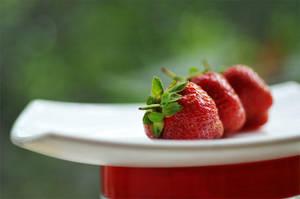 Strawberry by AlexEdg