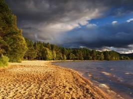 Golden Scottish Loch by richsabre