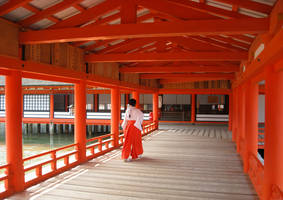 Itsukushima Shrine by Ladamania