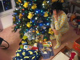 It's a Duckie Christmas for Sasuke by pikabellechu