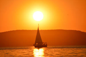 Sunset (Balaton) by trollwaffle