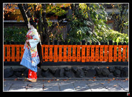 Maiko in the Fall by tensai-riot