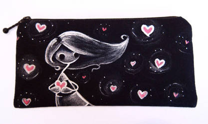 Painted pouch: Lots of Hearts by akinna