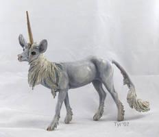 Breyer- Gothic Unicorn by tyreenya