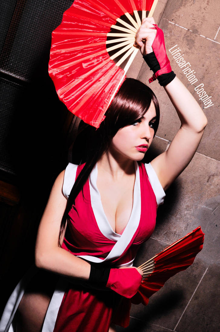 Cosplay deviants mai shiranui have