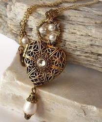 Heart Locket Necklace - white by Aranwen