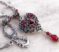 Red Heart Locket by Aranwen