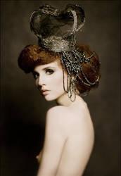 the crown by Widmanska