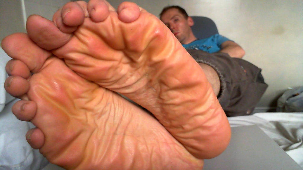 Smelly soles