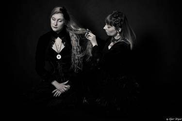 Victorian sisters by MalwinaD